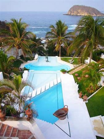 Villas Fa-Sol: Two Pools with a Beverage Bar nearby...