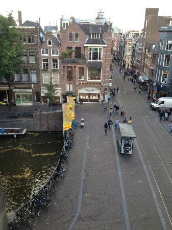 Dikker & Thijs Hotel: tram stop