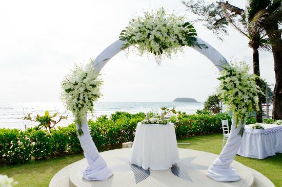 Katathani Phuket Beach Resort Wedding