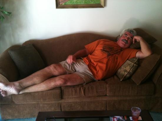 Pine Mountain Hotel: my honey relaxing.