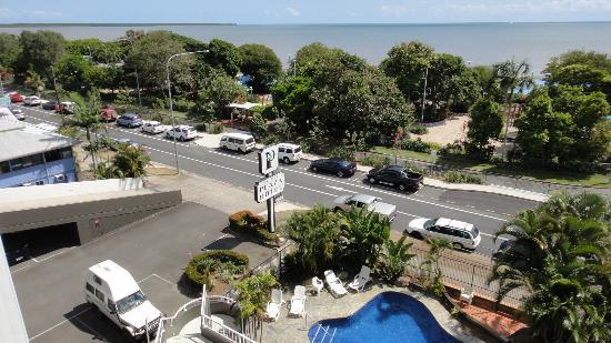 เคิร์นพลาซ่าโฮเต็ล: View from balcony