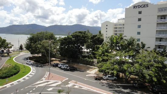 Cairns Plaza Hotel: View from balcony