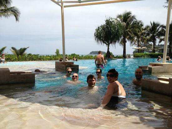 Katathani Phuket Beach Resort: Beach club pool