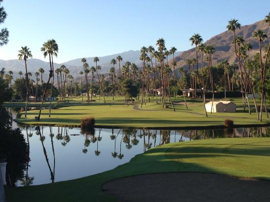 Omni Rancho Las Palmas Resort & Spa: Looking up the 5th fairway from room balcony