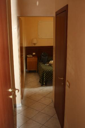 Hotel Rosetta : entrance from general hallway