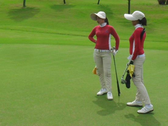 Mountain View Golf Club: Nice caddies and knowlegable