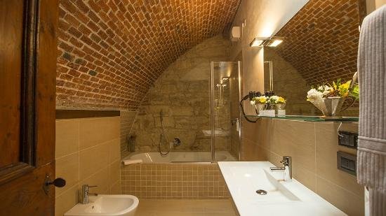 bath room picture of delser manor house hotel verona tripadvisor