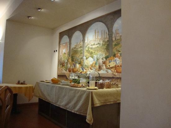Relais Santa Chiara Hotel: Breakfast buffet