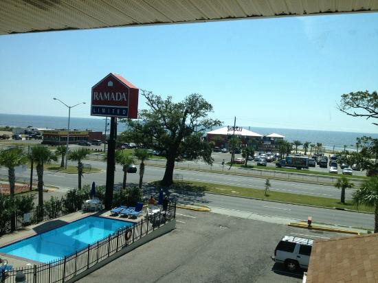 Days Inn Biloxi Beach: beach view