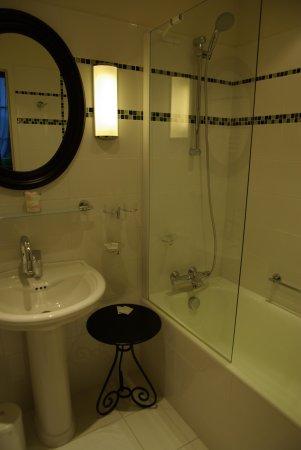 Hotel Diderot: SdB ch 105