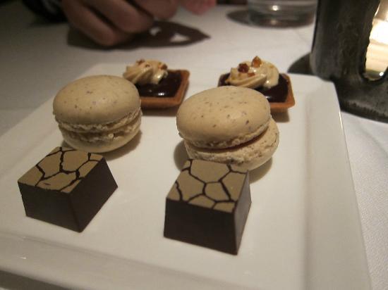 Gramercy Tavern: Surprises Desserts
