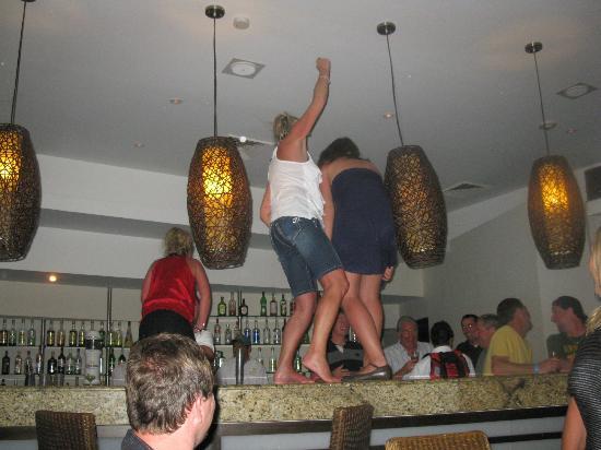 Allegro Cozumel: Disco dancing