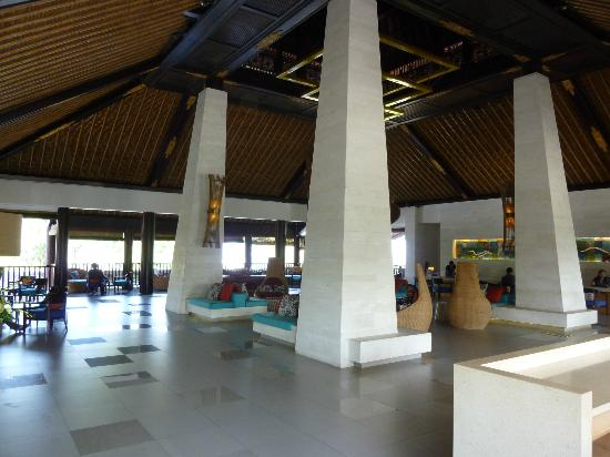 Holiday Inn Resort Baruna Bali: Hotel foyer