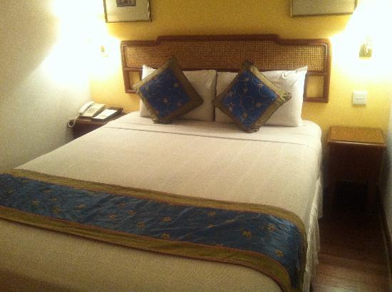 Perak Hotel: 泊まった部屋。可愛い内装。