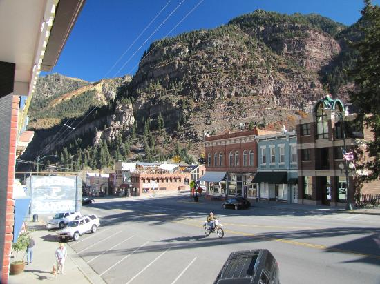 Ouray Chalet Inn: Main St Ouray