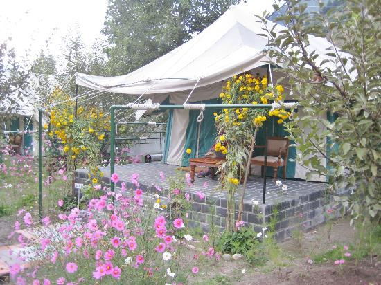 Banjara Camp &  Retreat - Sangla Valley Camp : our luxury tent