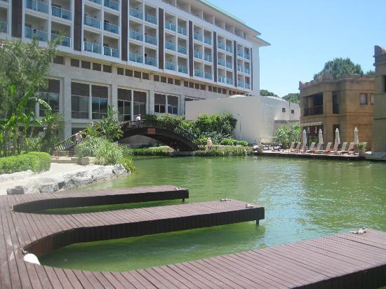 ريكسوس بريميوم: Hotel & grounds