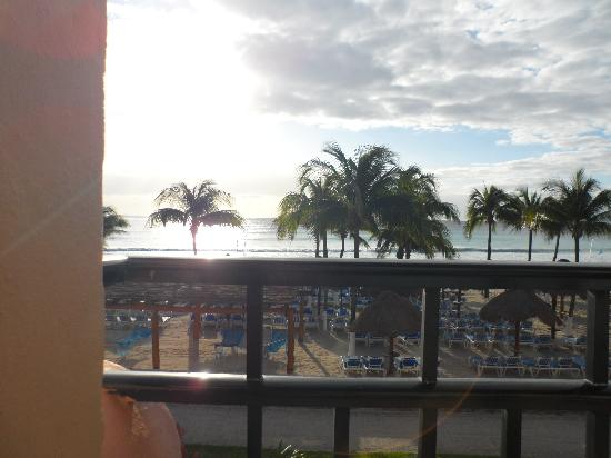 Sandos Playacar Beach Resort: room view