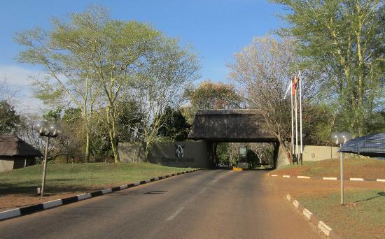 Elephant Hills Resort: Entrance