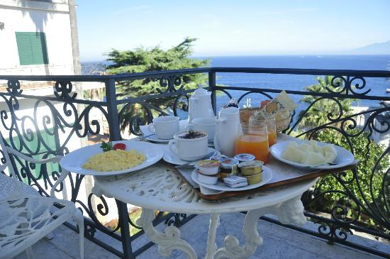 Luxury Villa Excelsior Parco: Nice breakfast