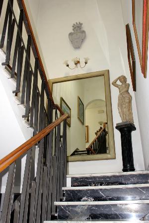 Hotel Il Bargellino: Hallway