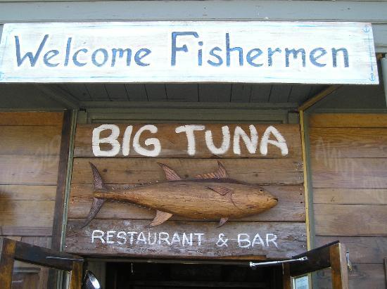 Big Tuna Raw Bar: entryway