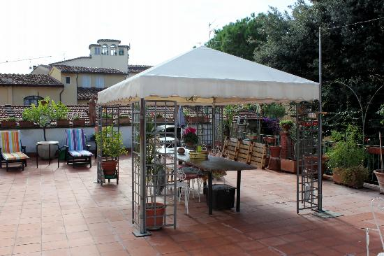 Hotel Il Bargellino: another view of terrace