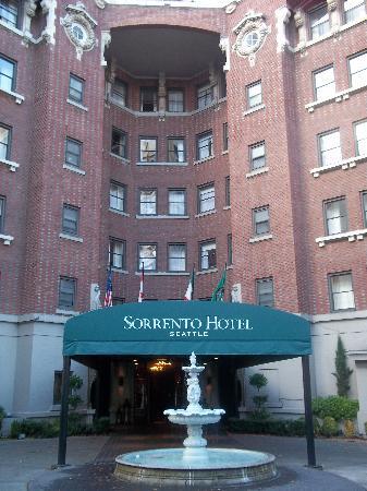Hotel Sorrento: Arrival