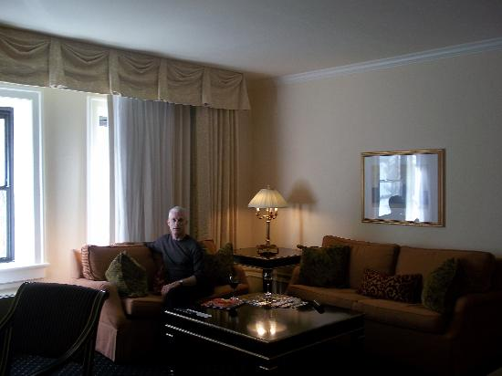 Hotel Sorrento : guestroom sitting area