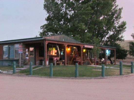 Eagle Canyon Hideaway: Eagle Canyon Campground Diner/Store and Office.