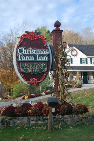 Christmas Farm Inn & Spa: sign
