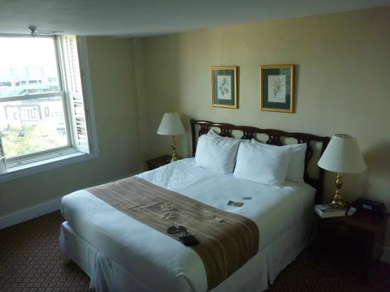 Boston Hotel Buckminster: Bedroom (separate from Living Room)