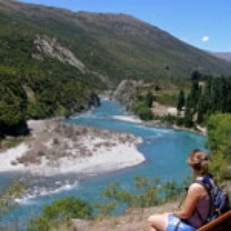 Queenstown Wine Trail: Enjoy wine and adventure combos