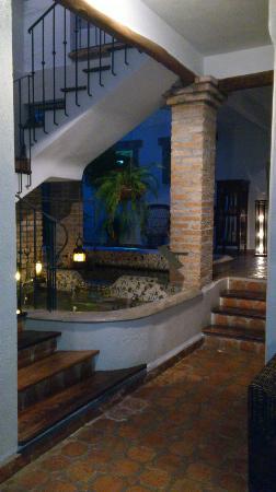 Posada Casa Sol: Pescera y pasillos