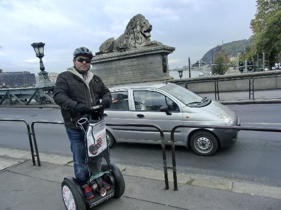 Segway Tours Budapest : N both the lions together!!!!!