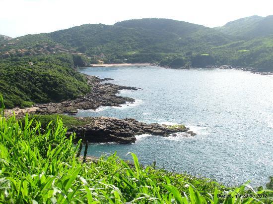 Mirante do Forno: Al fondo ,praia do Forno, desde el mirante