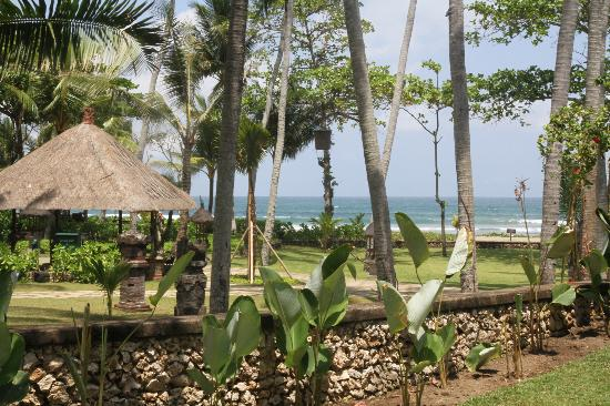 The Oberoi Bali: Hotel grounds