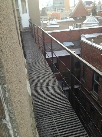"""La Residence Du Voyageur: """"balcon pour relaxer vue sur MTL"""""""