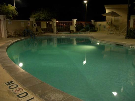 Hampton Inn Suites Phoenix Surprise: Pool & Spa Area