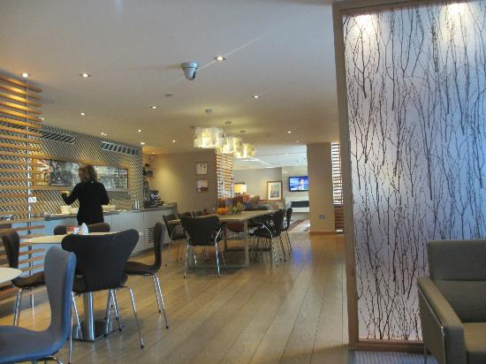 Hilton London Heathrow Airport: Executive Lounge