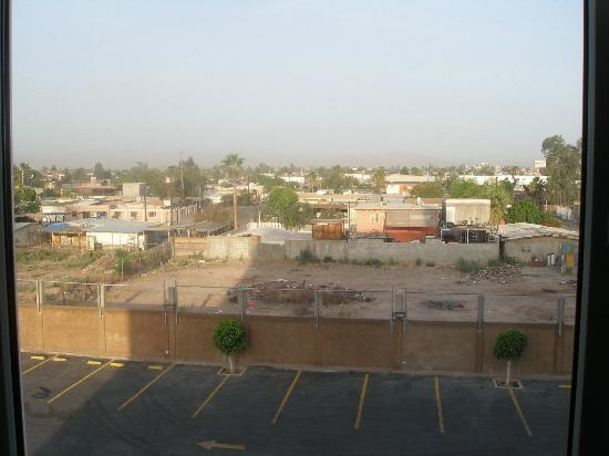 City Express Junior Mexicali: View out the window in the morning.