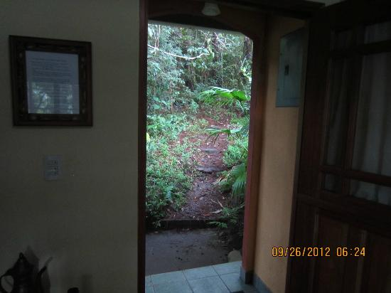 Tinamou Cottages: the front door