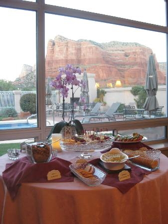 Canyon Villa Bed and Breakfast Inn of Sedona: Lovely afternoon snack presentation