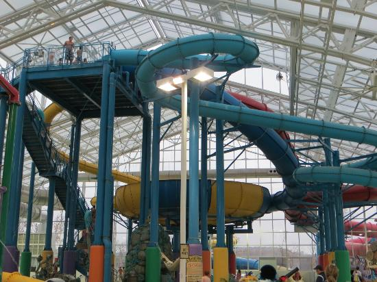 Big Splash Adventure Indoor Waterpark & Resort: slides