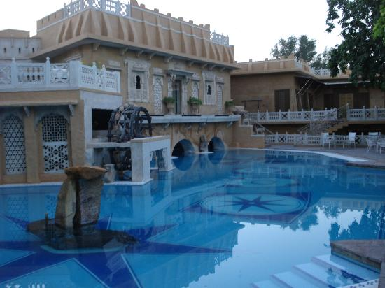 Ajit Bhawan: Swimming Pool