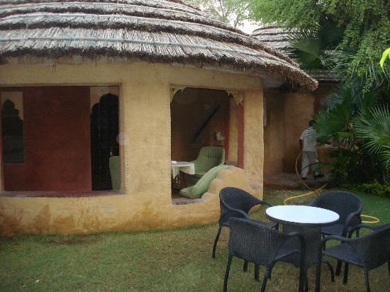 Ajit Bhawan: Cottage