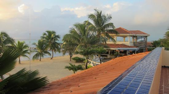 SunBreeze Hotel: beach