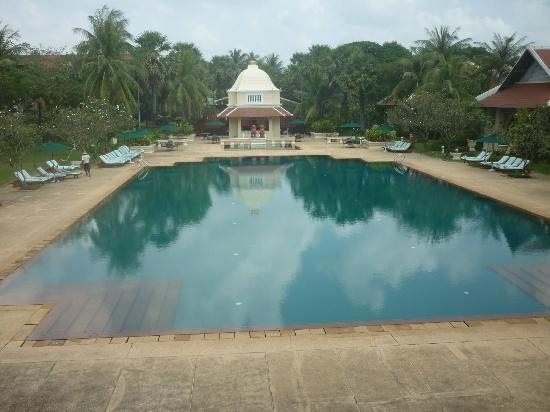 Raffles Grand Hotel d'Angkor: The pool was a lovely place to relax after a hot and sweaty day exploring the temples
