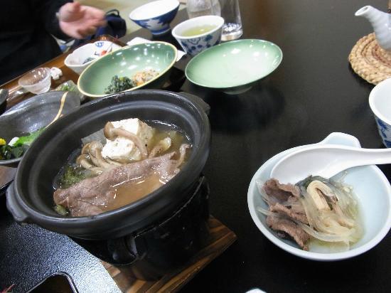 โอยาโดยามาเคียวไฮดาทาคายามา: hida-gyuu nabe