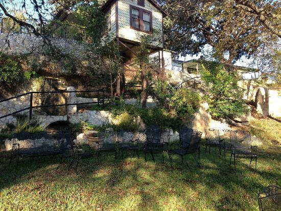 Frio Springs Lodges: view from the creek